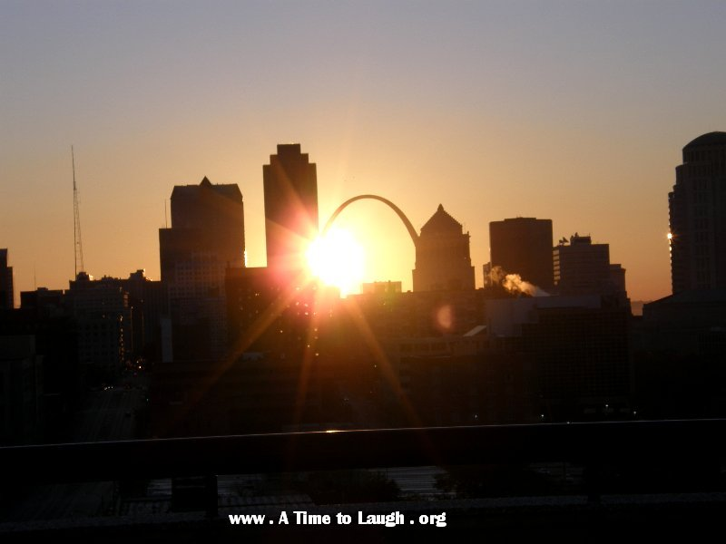 sunrise at st louis arch