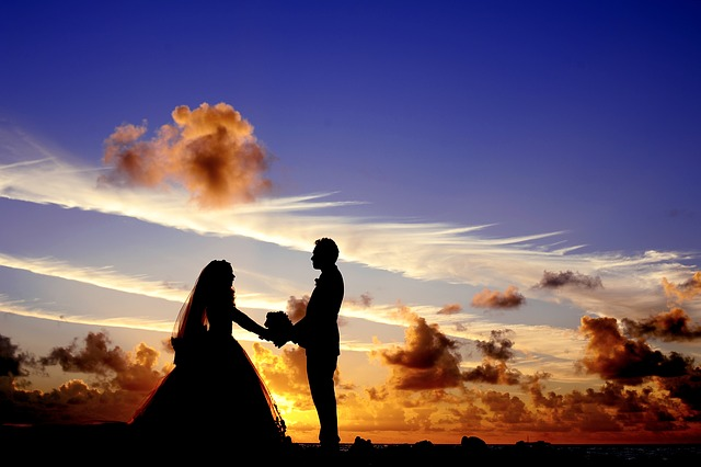 wedding silhouette at sunset